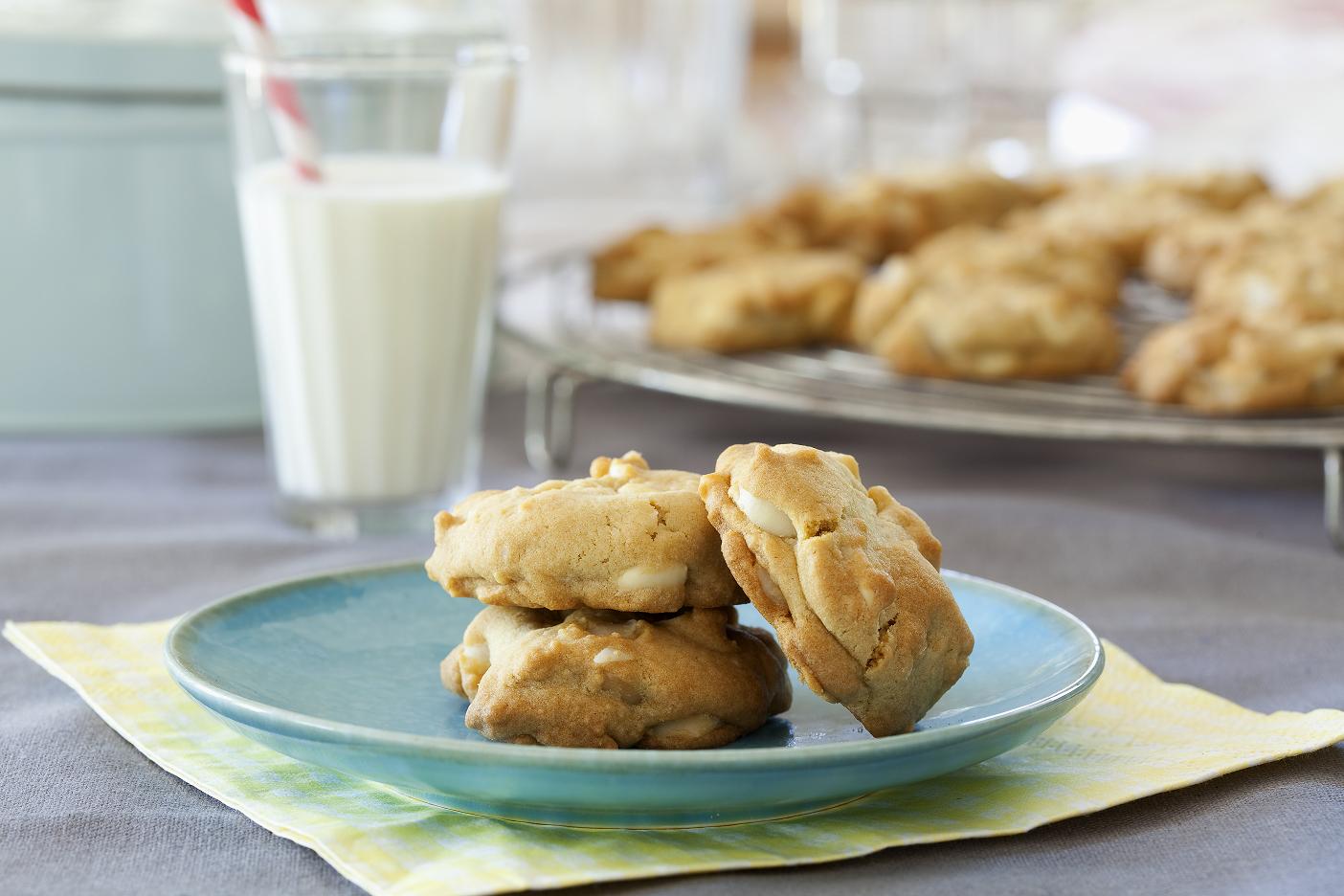 Cookies mit Macadamias und weißer Schokolade