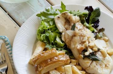Fisch-Filet als Hauptspeise mit Macadamia Nüssen, Salbei und Parmesan