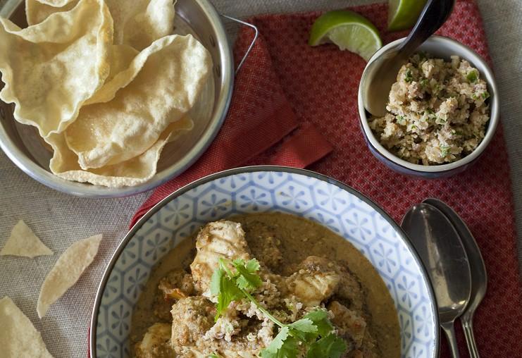 Fischcurry mit Kokosnuss-Macadamia-Sambal