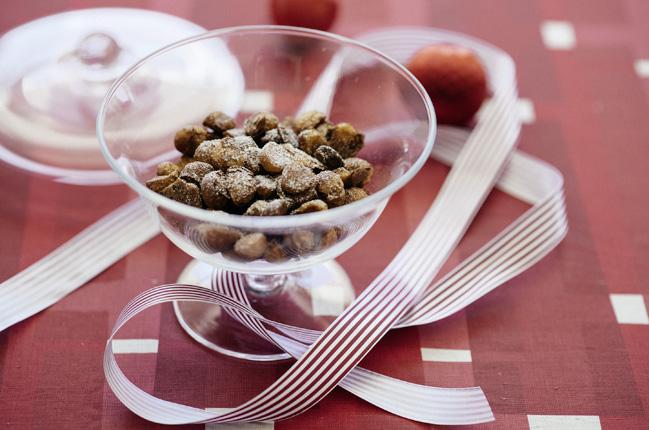 Weihnachtliche Macadamias