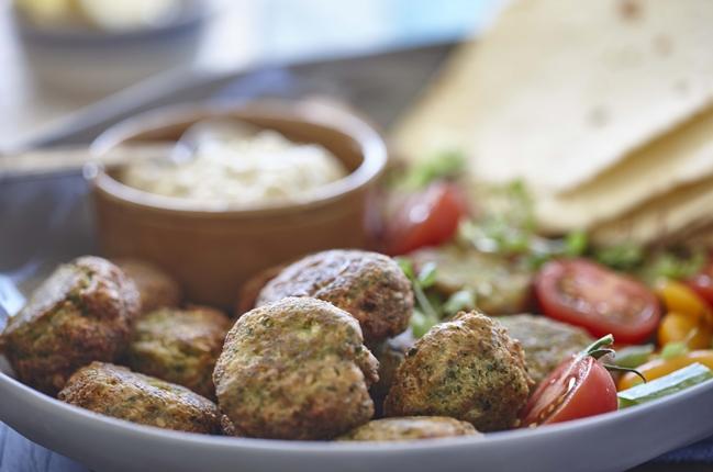 Macadamia Kräuter Falafel