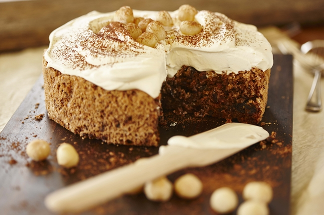 Einfache Schokoladentorte mit Macadamias