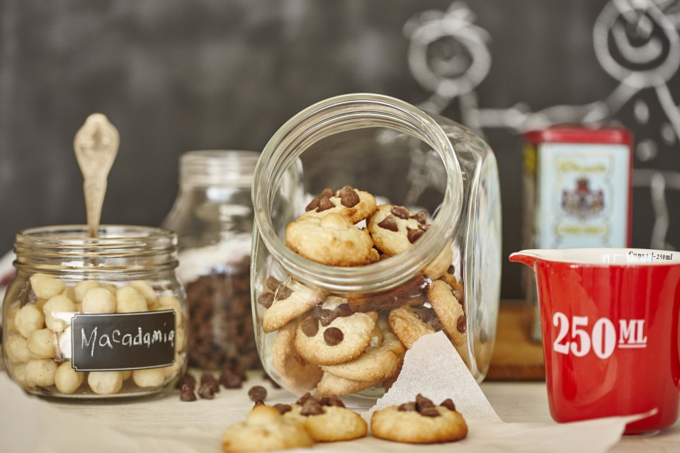 Macadamia Chocolate-Chip Cookies