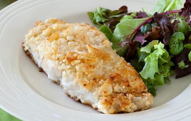 Macadamia-Topping für Fleisch und Fisch