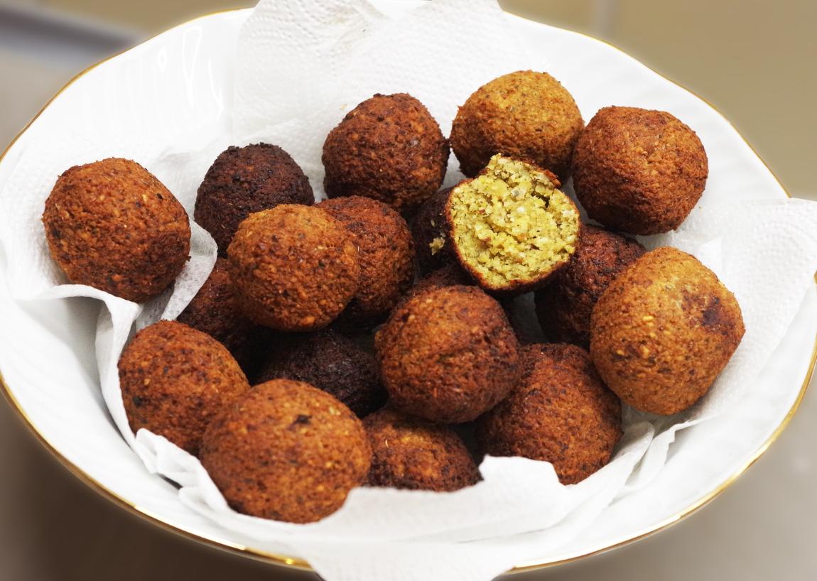 Leckere Macadamia-Falafel