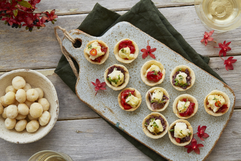 Weihnachtliche Macadamia-Tarteletes